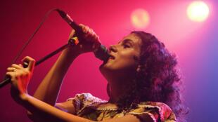 Céu, une des artistes les plus populaires et les plus influentes du Brésil.
