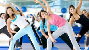 Segundo estudo do Instituto do Câncer dos Estados Unidos, a média geral de redução do desenvolvimento de tumores em pessoas que realizam atividades físicas regulares foi de 7%.