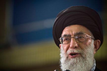 Kiongopzi wa Kidini wa Iran, Ayatollah Ali Khamenei, akibaini kutotambua kuwepo kwa taifa la Israel.
