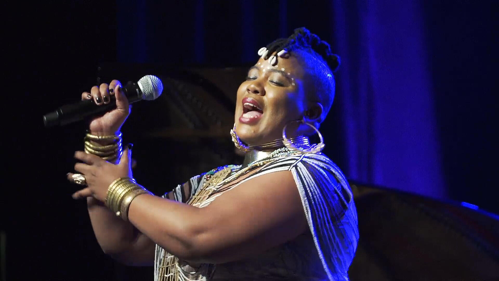 The South African artist Thandiswa Mazwai performed on 25 May during the Metis Festival at the Théâtre Jean Vilar, near Paris.  The cultural meeting celebrating South African music will end on June 22.