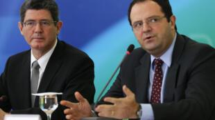 Os ministros da Fazenda, Joaquim Levy, e do Planejamento, Nelson Barbosa, durante coletiva para anúncio dos cortes no Orçamento.