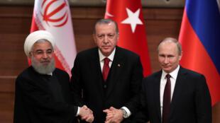 Nguyên thủ Iran Rohani (T), đồng nhiệm Thổ Nhĩ Kỳ Erdogan (G) và tổng thống Nga Putin, Ankara, ngày 4/4/2018.