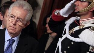 Новый глава итальянского кабинета министров Марио Монти 13 ноября 2011 года
