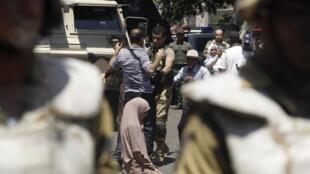 A segurança foi reforçada em todo o Egito por causa da multiplicação das manifestações pró e contra o presidente Mursi.