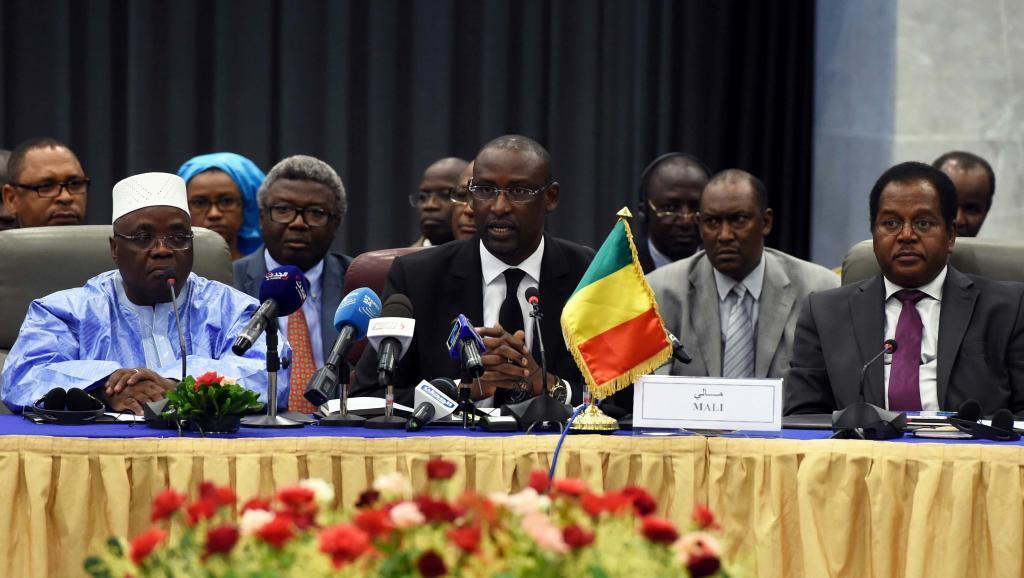 Mazungumzo ya amani kati ya makundi yenye silaha kaskazini mwa Mali na Serikali ya Bamako.