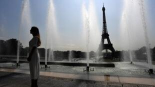 Высокая температура продержится во Франции до выходных