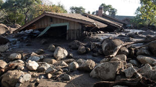 Дом, разрушенный в результате схождения селевого потока в Калифорнии. 10 января 2018.