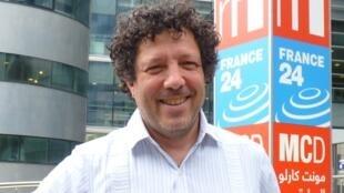 Elías Crespín en RFI