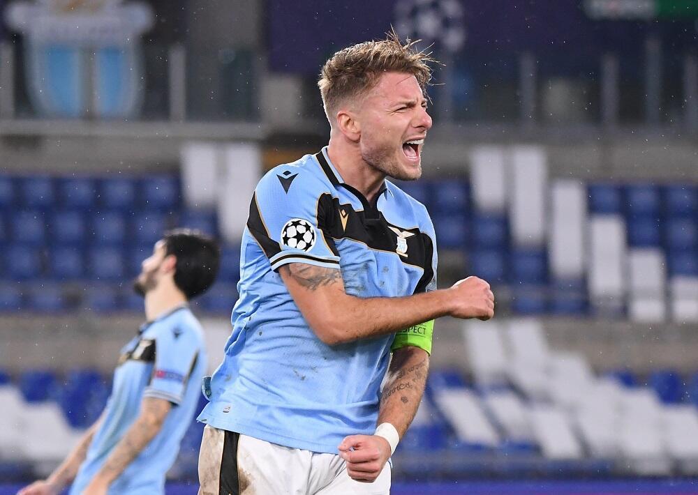 Dan wasan gaba na kungiyar Lazio Ciro Immobile yayin fafatawarsu da Club Brugge a gasar Zakarun Turai