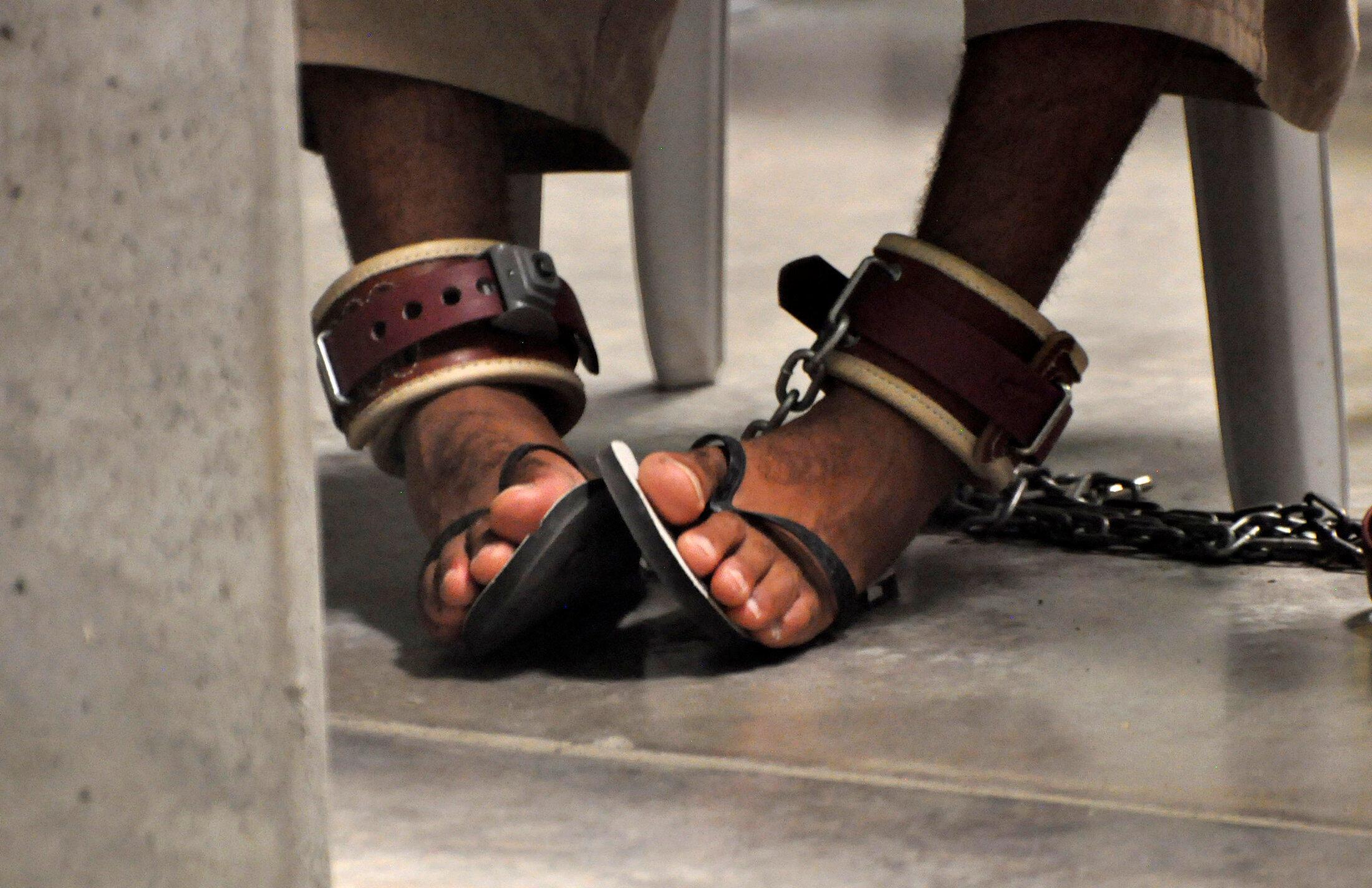 អ្នកទោសនៅពន្ធនាគារយោធាអាមេរិក Guantanamo