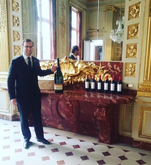 Anderson Tirloni estava promovendo em Paris o espumante brasileiro Miolo.
