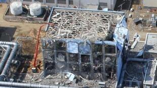 АЭС Фукусима-1 (Fukushima Daiichi) после катастрофы,  24 марта 2011.