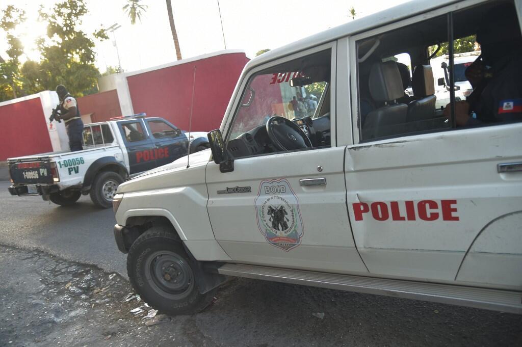 Des membres de la police haïtienne montant la garde à Port-au-Prince, le 5 janvier 2017 (image d'illustration).