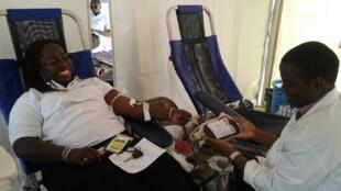 La start-up BioBanque travaille à une meilleur traçabilité et répartition des poches de sang vers les hôpitaux maliens.