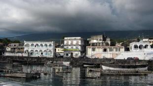 Moroni vue du port, Comores.