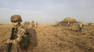 Mwanajeshi wa Ufaransa katika eneo la Sahel lenye makundi ya kijihadi
