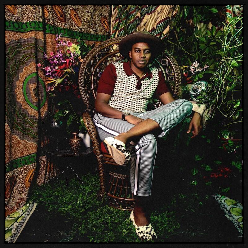L'artiste Ahmed Gallab/Sinkane sur la pochette de son nouvel album « Dépaysé ».