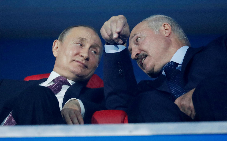 Президенты Александр Лукашенко и Владимир Путин в Минске 30 июня 2019.