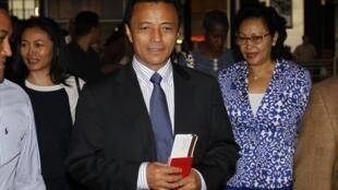 Бывший президент Мадагаскара Раваламанана перел вылетом на остров