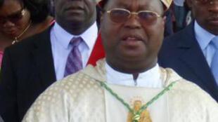 Monseigneur Siméon Ahouana, président de la Commission nationale pour la réconciliation et l'indemnisation des victimes ( CONARIV), en Côte d'Ivoire.