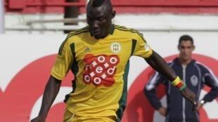 Le Camerounais Albert Ebossé est mort en août dernier après un match de foot à Tizi Ouzou en Algérie.