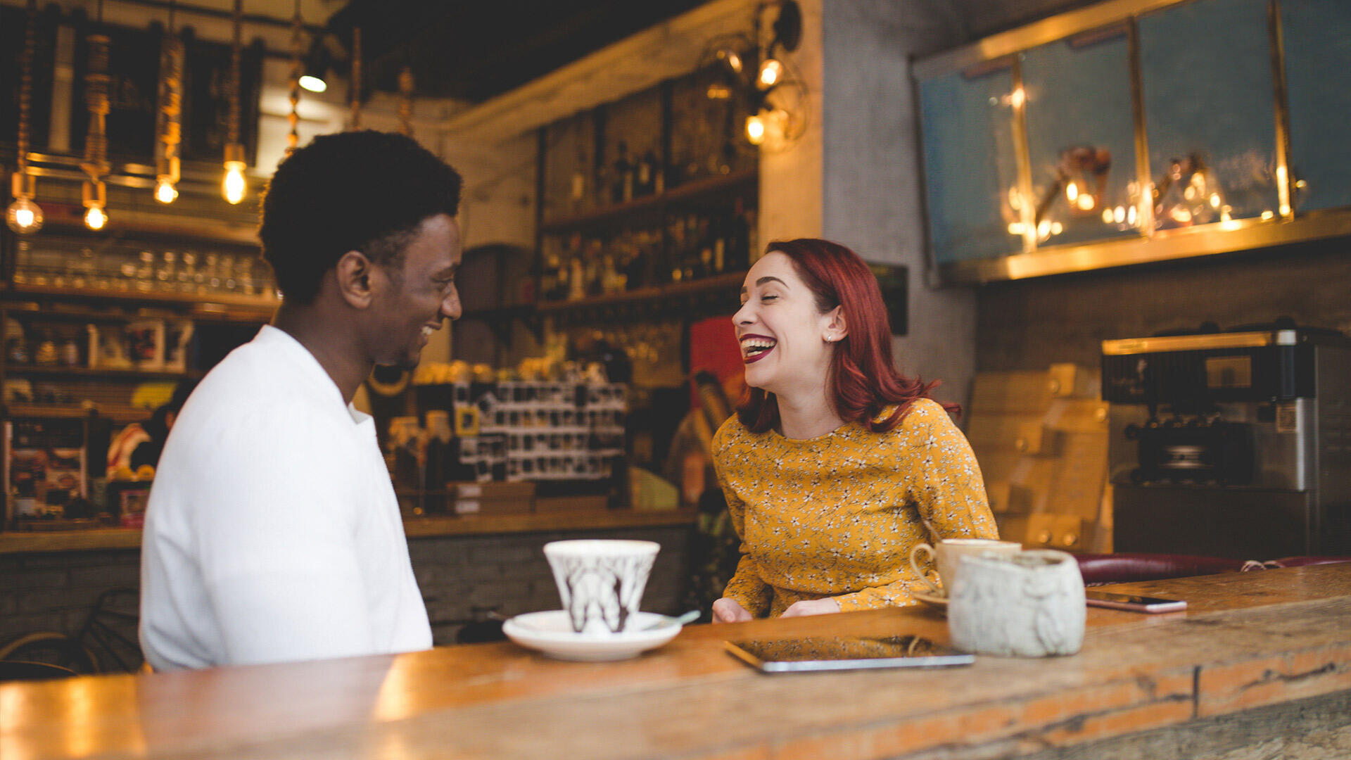 Qu'elle soit amicale, professionnelle ou amoureuse, la rencontre peut changer le cours d'une vie de manière positive ou négative.