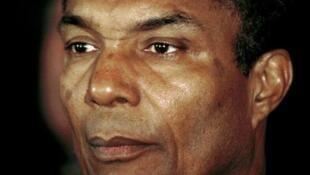 O poeta cabo-verdiano Corsino Fortes faleceu, esta sexta-feira dia 24 de julho de 2015, em São Vicente, vítima de doença prolongada