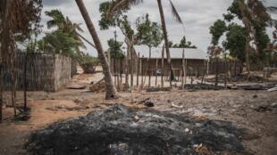 Le village d'Aldeia da Paz, près de Macomia dans la province de Cabo Delgado, après une attaque terroriste en août 2019 (image d'illustration)