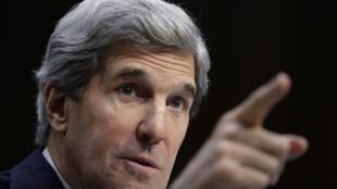 John Kerry telefonou primeiro para líderes israelenses e depois para o palestino.