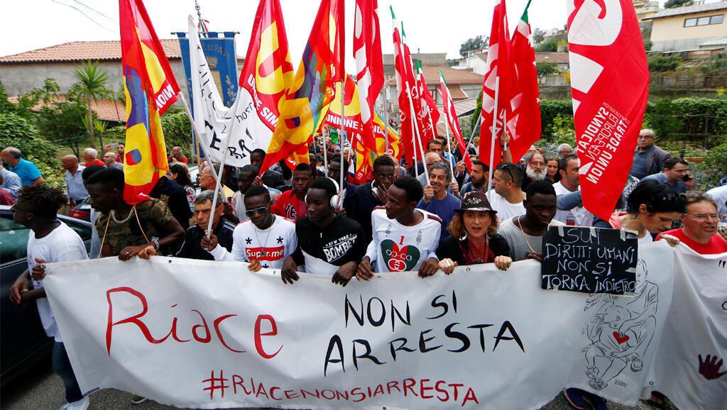 La manifestation, le 6 octobre 2018, de soutien au maire communiste Domenico Lucano à Riace et contre Matteo Salvini.