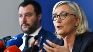 Marine Le Pen (à droite), présidente du Rassemblement National et le ministre italien de l'Intérieur, Matteo Salvini, lors d'une conférence de presse conjointe.