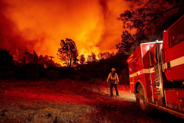 美国加州奥罗维尔的熊熊大火和比特县的消防员2020年9月9日
