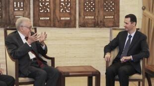El emisario para Siria Lakdar Brahimi en la reunión con Bachar Al Assad