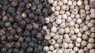 Le poivre de Penja a obtenu une indication géographique protégée (IGP) équivalente à l'appellation d'origine contrôlée (AOP) en septembre 2013.