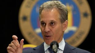 Mis en cause dans une affaire de violences sexuelles, le procureur de New York, Eric Schneiderman, a démissionné le 7 mai 2018.