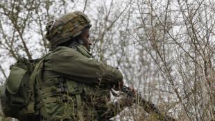 Lính Israel canh gác vị trí gần biên giới chung với Liban, phía bắc thành phố Metula, 29/12/2013