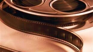 La presidenta firmó un decreto que declara al sector audiovisual como una industria y elevó el monto máximo de los subsidios para el cine a 5,5 millones de pesos.