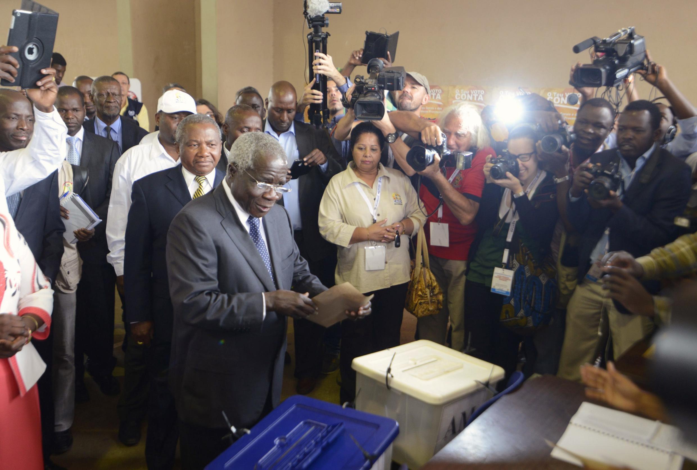 Afonso Dhlakama diz que vai governar o norte e centro do país
