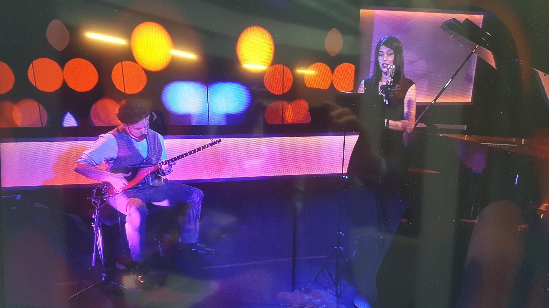 Anousha Nazari (Cantatrice) et Sepand Dadbeh (musicien°