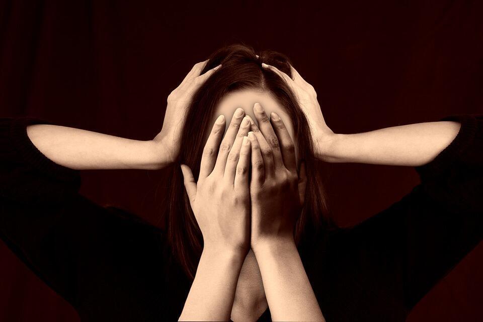 Classé parmi les 10 pathologies les plus invalidantes selon l'Organisation mondiale de la santé (OMS), le trouble bipolaire débute généralement chez l'adolescent ou le jeune adulte.