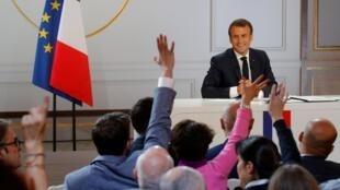 Emmanuel Macron durante esperada entrevista coletiva.