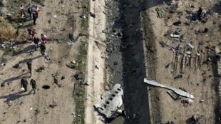 پرواز ۷۵۲ هواپیمایی اوکراین ایرلاین در نخستین ساعات بامداد ۱۸ دی ماه سال ۱۳۹۸ (هشتم ژانویه ۲۰۲۰) شش دقیقه پس از برخاستن از فرودگاه امام خمینی تهران مورد شلیک دوموشکسپاه پاسداران قرار گرفت و تمامی ۱۷۶ سرنشین و خدمه آن که شهروندان کانادایی ـ ایرانی، اوکراینی، افغان و بریتانیایی بودند، در این حادثه جان باختند.