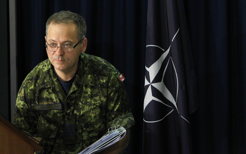 Полковник Ролан Лавуа, официальный представитель НАТО по операциям в Ливии