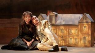 Béatrice Agenin joue «Marie des poules, gouvernante chez George Sand», au Théâtre Montparnasse à Paris.