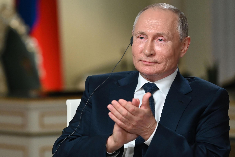 Shugaban Rasha Vladimir Putin yayin tattaunawa da tashar MBC a Moscow ranar 11 ga watan Yuni 2021.