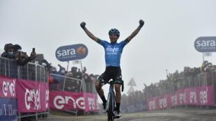 L'Italien Lorenzo Fortunato vainqueur de la 14e étape du Tour d'Italie, entre Cittadella et le Monte Zoncolan, le 22 mai 2021