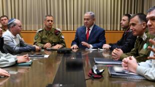 以色列总理兼国防部长内塔尼亚胡召开安全首长会议 2019年3月14日午夜