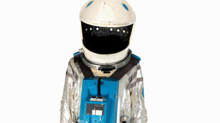 """El traje de la película """"2001 Odiseoa en el espacio"""", del director de cine Stanley Kubrick, que será subastado, en una imagen del 25 de junio de 2020"""