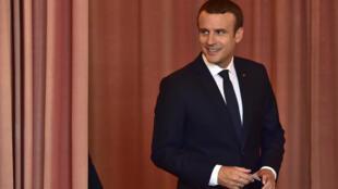 Tổng thống Pháp Emmanuel Macron tại một điểm bỏ phiếu bầu Quốc Hội vòng hai ở Le Touquet, miền bắc Pháp, ngày 18/06/2017.