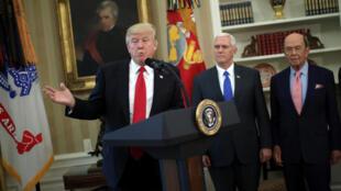 Tổng thống Mỹ Donald Trump trong ngày ký sắc luật về thương mại quốc tế, ngày 31/03/2017.